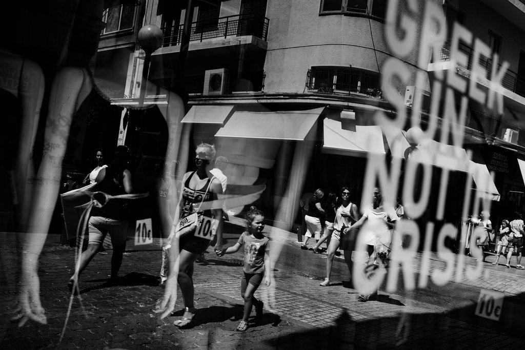 20121002-GREECE-slide-VE9V-jumbo.jpg