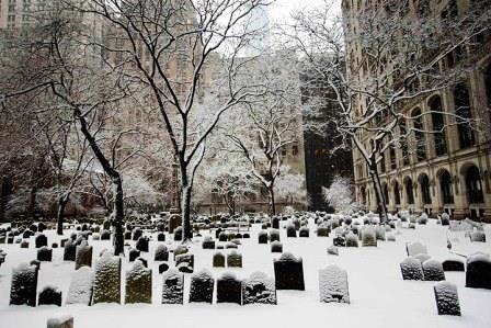 Snow-gathers-on-graveston-004.jpg