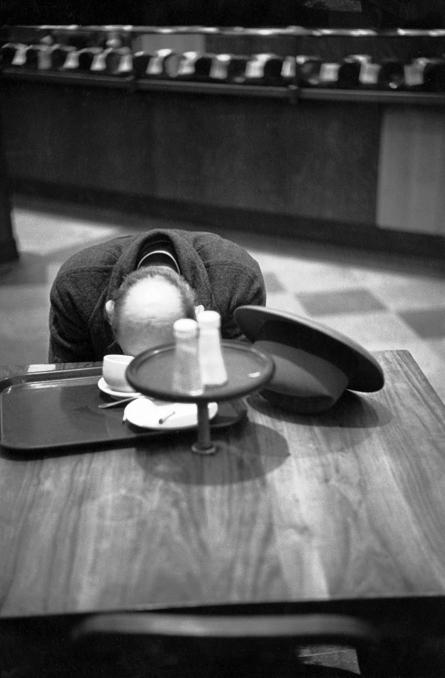 henri_cartierbresson._brooklyn_new_york_1947_0.jpg